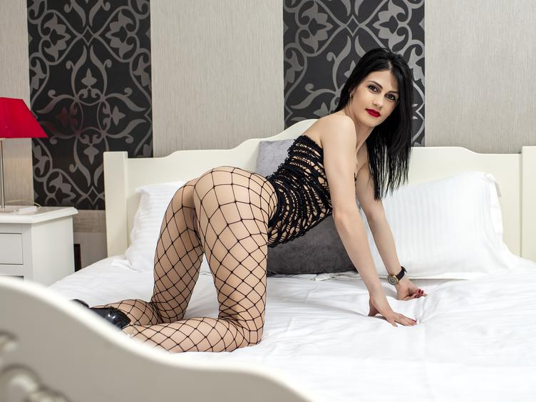 I am a slender brunette - with a crazy apatite for life. I`m 100% real - every inch of me. ;) I`m a true amateur and quite new to this. Would you like to see more of me? Then come to my chat!