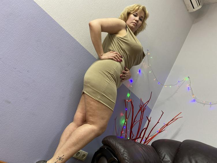 I`m a young woman, who knows what you need. =) I hope that you`ll be in a great mood for our party time.  I`m waiting for you - and your fantasies. Just come to my room. :)