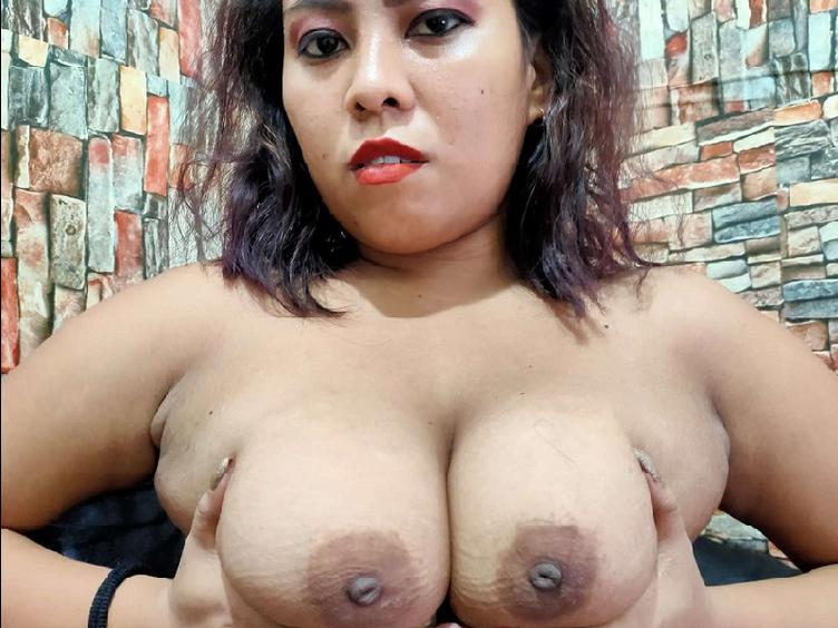 Hi im Lyn and i have a very big boobs. For sure u like it to play with them...??? Or with my pussy?