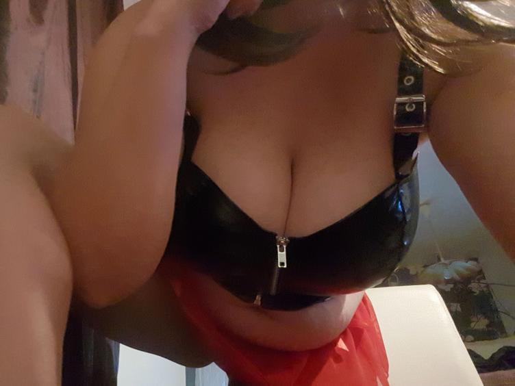 Ich suche reales Sexvergnügen...