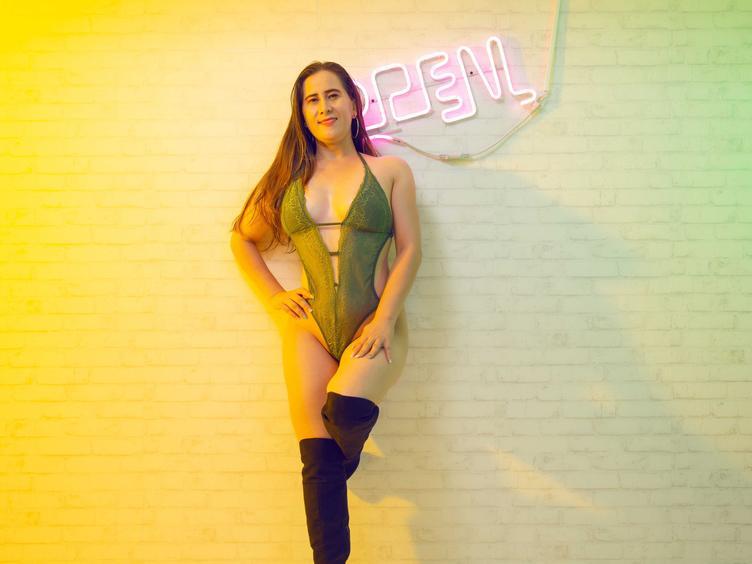 Hallo!!! Du kannst mich Violet Powers nennen  Ich bin ein heißes, eifriges, mutiges und ein bisschen ruhiges Mädchen, ich würde dich gerne kennenlernen, ich möchte, dass du mir sagst, dass es dir gefällt und ich möchte ... nein, ich würde mich freuen, wenn du mir sagst wie vor dir zu masturbieren, denn ich bin auch ein Perverser ohne Heilung.  Denken Sie daran, dass ich ein professionelles Model bin, also zögern Sie nicht, mir zu sagen, was Sie wollen.  Ich werde mit Vergnügen auf Sie warten.